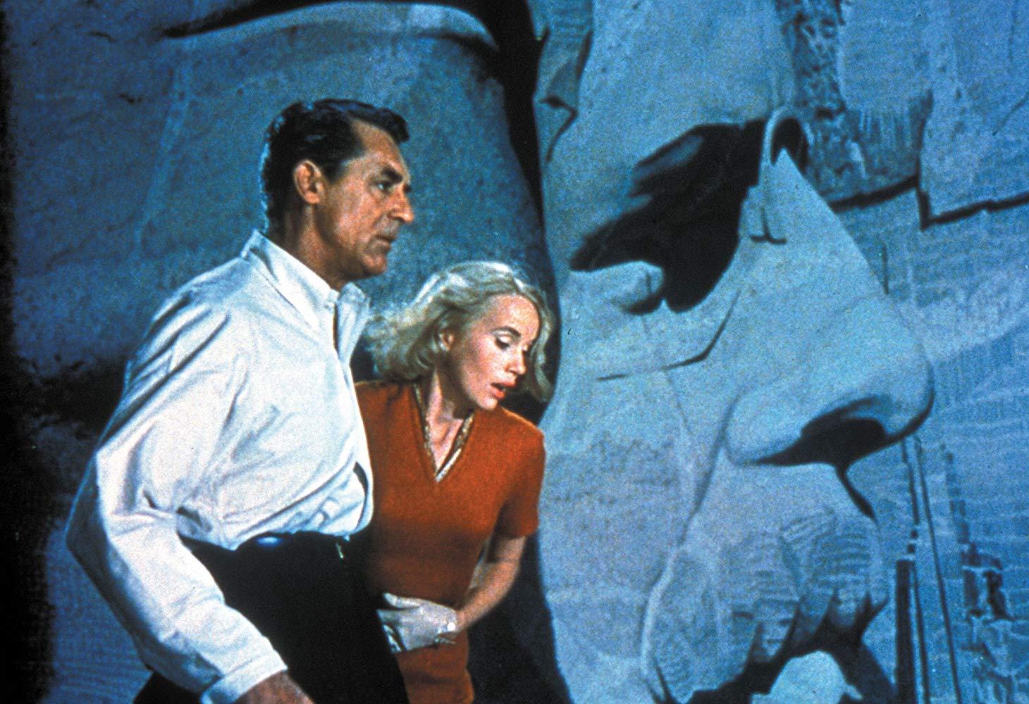 فیلم اکشن ممکن است وارد ژانرهای دیگر سینمایی نیز بشود و فیلم هایی را در ژانرهای درام، جنایی و تریلر نیز بیابیم که از آن ها با عنوان فیلم اکشن یاد می شود.