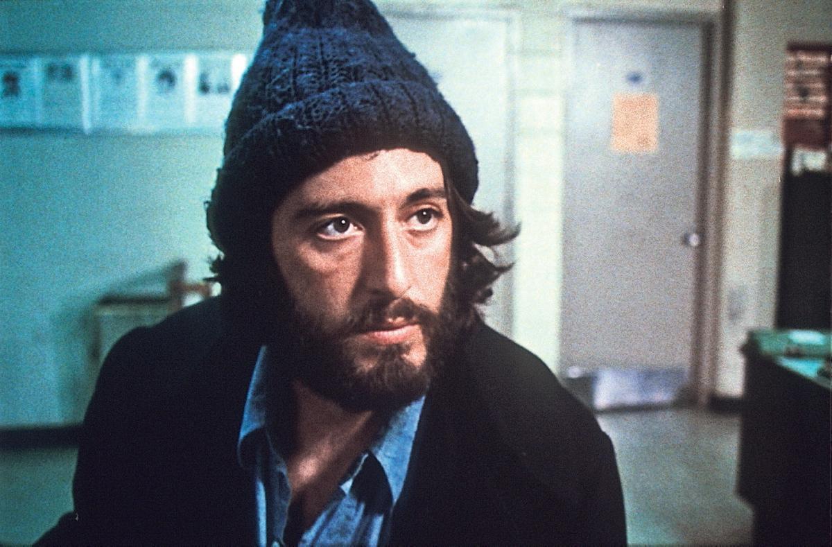 با بسیاری نقش آفرینی های فراموش نشدنی و تحسین شده در دوران کاری اش، در ادامه این مطلب قصد داریم شما را با 10 فیلم برتر آل پاچینو بر اساس نمره راتن تومیتوز آشنا کنیم.