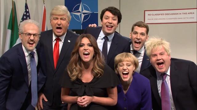 برنامه «پخش زنده شنبه شب» (Saturday Night Live) در تازه ترین اپیزود خود افتضاح سران اروپا در نشست ناتو و تمسخر دونالد ترامپ را دستمایه قرار داده است.