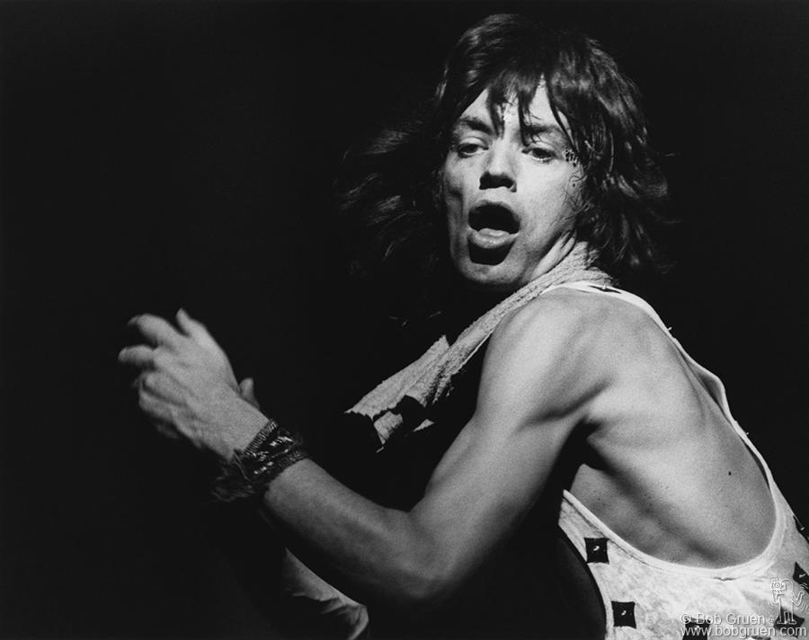 در ادامه این مطلب قصد داریم شما را با تعدادی دیگر از برترین و بزرگ ترین خوانندگان تاریخ موسیقی راک آشنا کنیم.